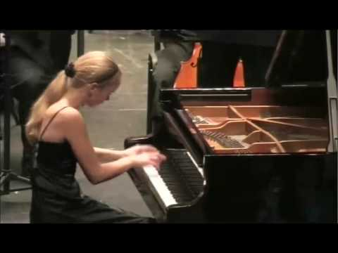 Saint-Saëns - Piano Concerto nr. 2 (3rd. mov) Elisabeth Brauss, Macau Youth Symphony & Veiga Jardim