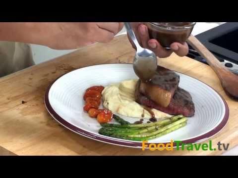 สเต็กเนื้อซอสเกรวี่ Beef Steak with Gravy Sauce