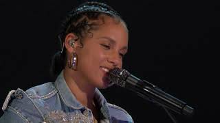 """Alicia Keys Performs """"Love Looks Better"""" at the 2020 NFL Kickoff Concert"""