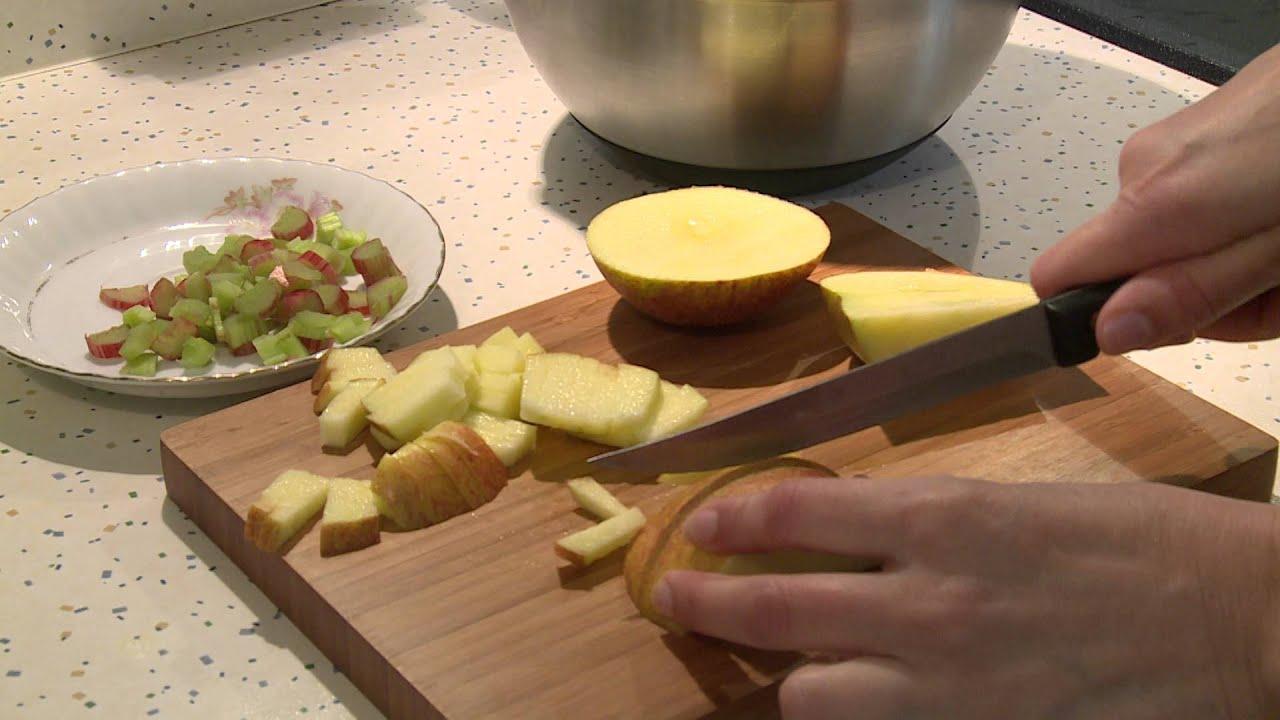 rhabarber apfel kuchen schneller und leichter kuchen leichtes rezept aus rhabarber youtube. Black Bedroom Furniture Sets. Home Design Ideas