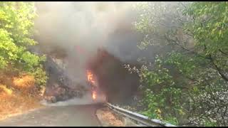 Incendio a Moschiano, l'intervento dei Vigili del Fuoco sulla Statale 403