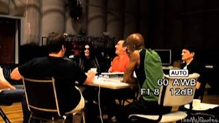 Rare Michael Jackson laughing  (This is it meetin)