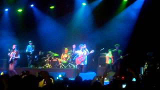 FOALS - Out of the Woods  Live México