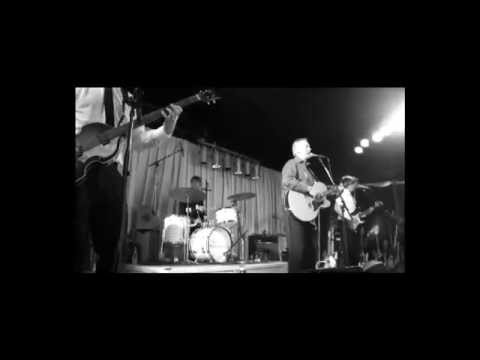 Keld Heick & The Beatophonics - Wear My Ring Around Your Neck (live at Jelling - 26.0513) - YouTube