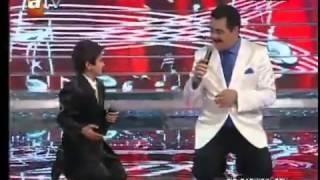 ▶ الأطفال يغنون مع ابراهيم تاتليسيس مترجمة للعربية)(1)   YouTube