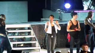 2011年4月9日サンタバーバラで行われたジャネットのコンサートに招待さ...