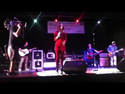 Cassadee Pope- Torn LIVE