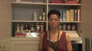 How To Organize The Kitchen Cabinets - Professional Organization Tips