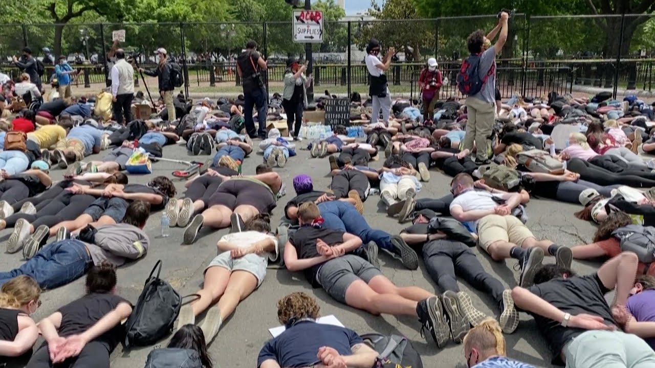 U.S. protesters lie on ground in George Floyd protests - The ...