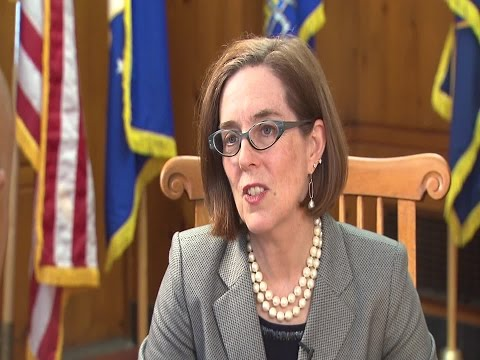KOIN 6 News anchor Ken Boddie speaks with Gov. Kate Brown
