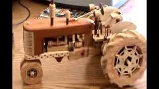 Kelly Klaas' Vintage Tractor - Woodworking Project