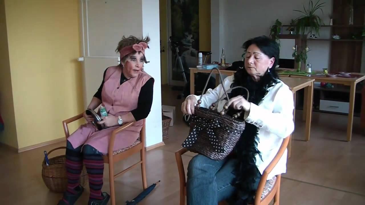 comedy sketch und spass schminken im zug youtube. Black Bedroom Furniture Sets. Home Design Ideas