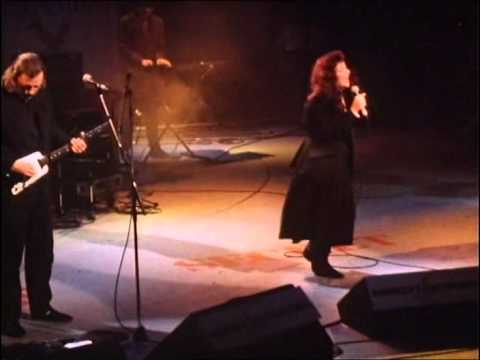 Kate Bush & David Gilmour - Running Up That Hill