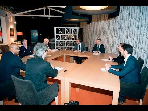 Reunión de Iñigo Urkullu, Uxue Barkos y Jean René Etchegaray con la CIV