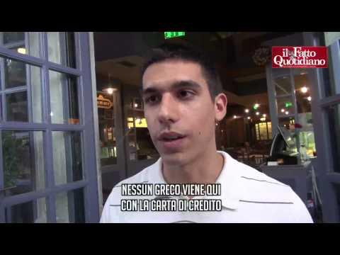 Atene a due velocità: da una parte i turisti coi bancomat, dall'altra i greci con 60 euro