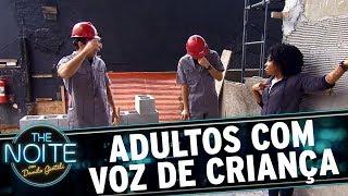 Adultos com voz de criança porque fica engraçado | The Noite (20/11/17)