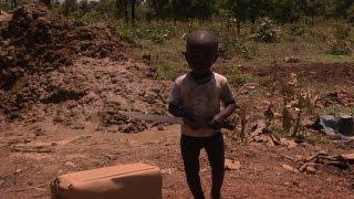 Niños intoxicados por la extracción del oro - En Tierra Hostil