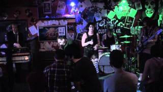 "Roxy Epoxy and The Rebound LIVE ""Dependence Leads Your Fortune"" August 3, 2009 (1/3) HD"