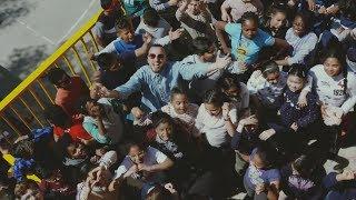 Al barri i a la gent - Nel·lo C i Escola Ferrer i Guàrdia (videoclip)