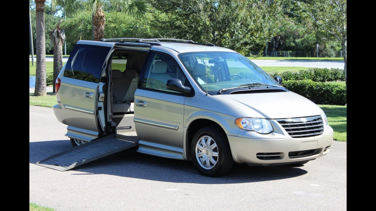 Wheelchair van handicap ramp van braun mobility 2005 chrysler town country 82k www vipautogroupin