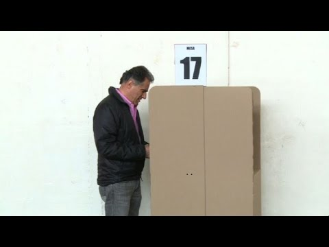 Polls open in Colombia for first round of presidential vote