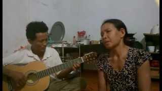 Chị hát rất giống Thanh tuyền - guitar quang bình
