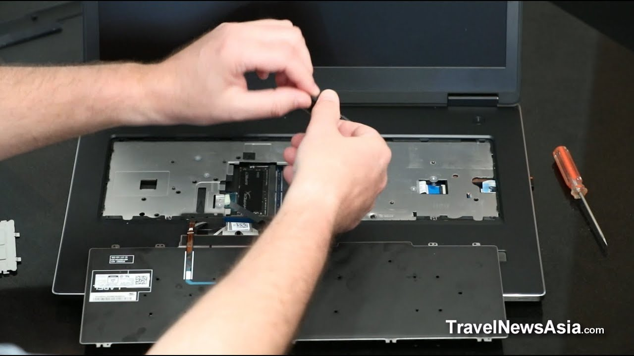 Dell Precision 7730 - Installing RAM / M 2 PCIe NVMe SSDs