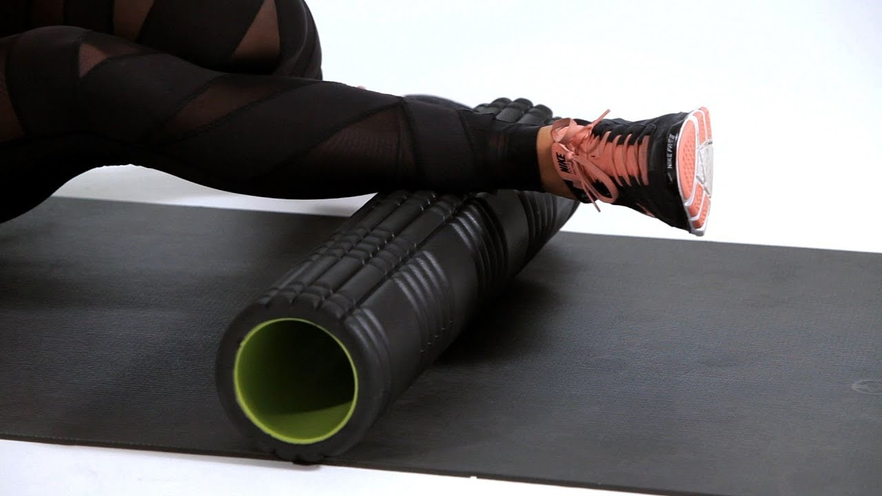 How to Foam Roll to Prevent Knee Pain | Foam Rolling - YouTube