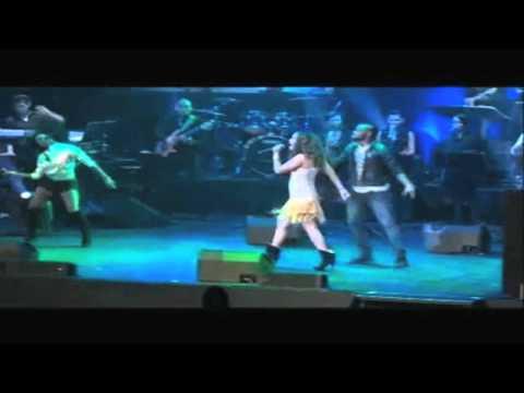 LeAnne and FreshlyGround preform Live at...