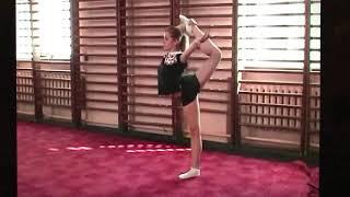 Видео уроки по художественной гимнастике. Равновесие «Кольцо с помощью». Екатерина Пирожкова