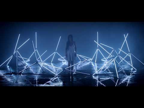 Lynn Maring - THE KISS THIEF [Official Music Video]