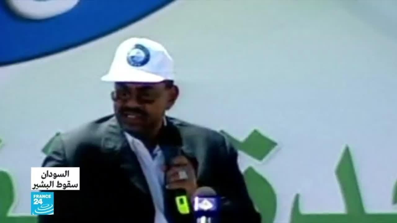 من هو عمر البشير.. من انقلاب 1989 إلى إطاحته من الجيش السوداني؟