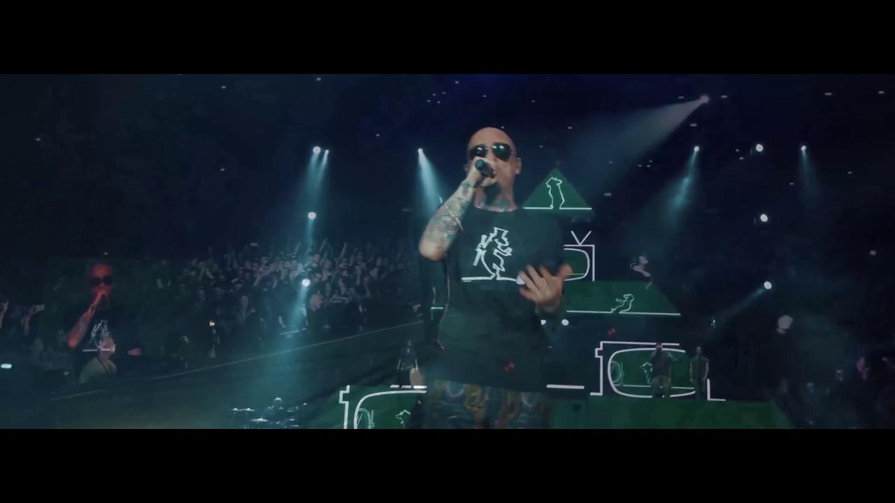 j-ax-l-uomo-col-cappello-official-live-video-j-ax