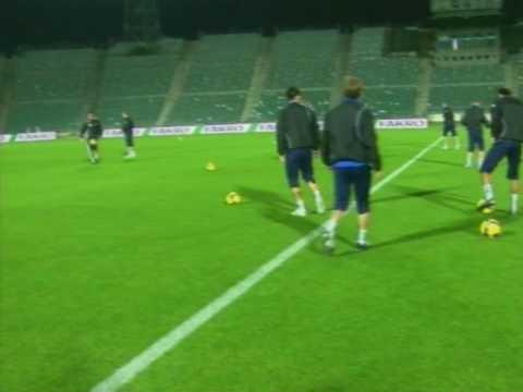 Atmosféra v Trnave pri štadióne medzi fanúšikmi Spartaka pred zápasom so Slovanom from YouTube · Duration:  2 minutes 41 seconds