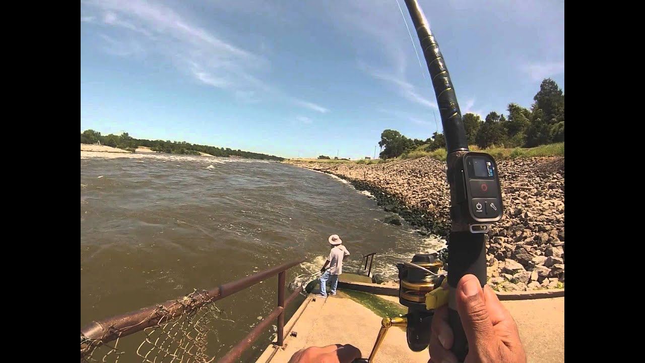Denison dam striper fishing youtube for Hansen dam fishing