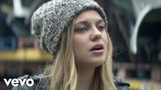 Louane - Avenir (Radio Edit Officiel) thumbnail