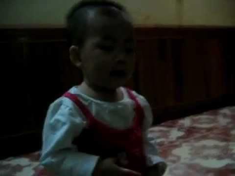 Chau Minh Hang 1 tuoi (24/08/2011)
