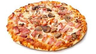 Пицца с колбасой, грибами, помидорами и сыром
