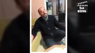 Şarkı söylerken dişi düşen adam