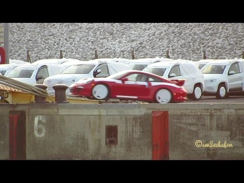 TRIUMPH ACE H3CB IMO 9209506 Emden Germany car carrier embarking Porsches