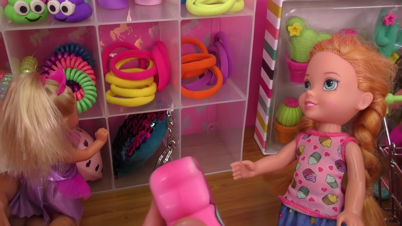 Shopping ! Elsa and Anna toddlers buy from Claire's store - Barbie 6