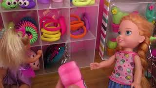 Shopping ! Elsa And Anna Toddlers Buy From Claire's Store   Barbie