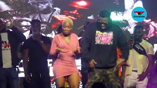 Medikal smooches Fella Makafui on stage again
