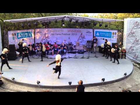 ძალიან მაგარი ქართული ცეკვა/Dzalian Magari Qartuli Cekva/Awesome Georgian Dance.