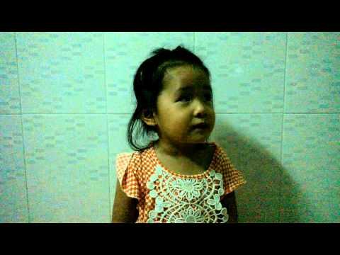 Em Đi Chơi Thuyền - Ngọc Hân-2 tuổi dễ thương lắm