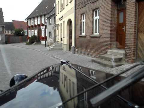 Im IFA F8 Cabriolet durch Werben an der Elbe