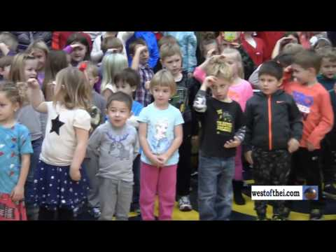2016 Wheatland Center School Veterans Day scenes