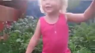 приколы девочка у блять морковка за гвоздь зацепилась дети заяц