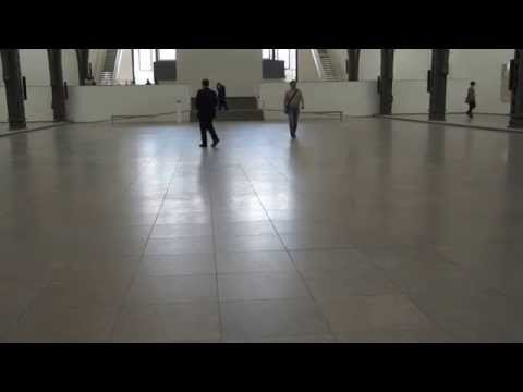 "ATTENDANT (WALKING IN SUSAN PHILIPSZ´S ""PART FILE SCORE"" IN HAMBURGER BAHNHOF BERLIN)"