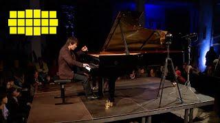 Seong-Jin Cho - Debussy: Reflets dans l'eau   Yellow Lounge
